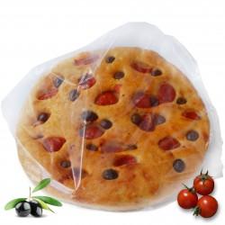 Focaccia con pomodoro e olive